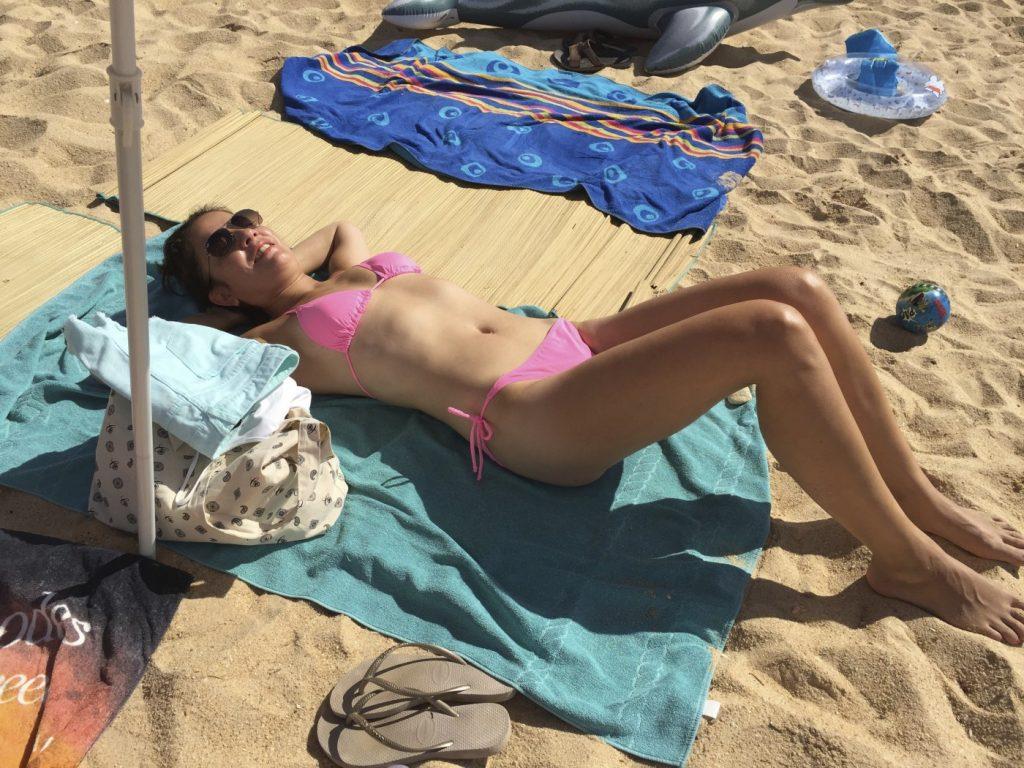 Nee hoor, als moeder kun je jezelf echt niet meer vertonen in bikini