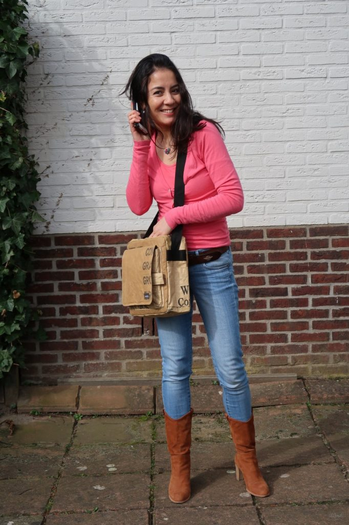 Upcyclen in plaats van recyclen, meet my new bag