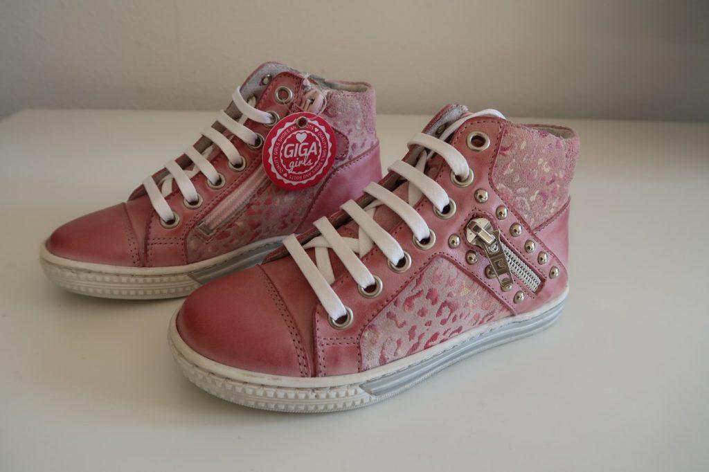 Zo moeder zo dochter, sneakers it is!