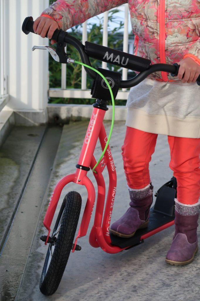 Hoe houd je de stroom cadeaus in december behapbaar voor je kind