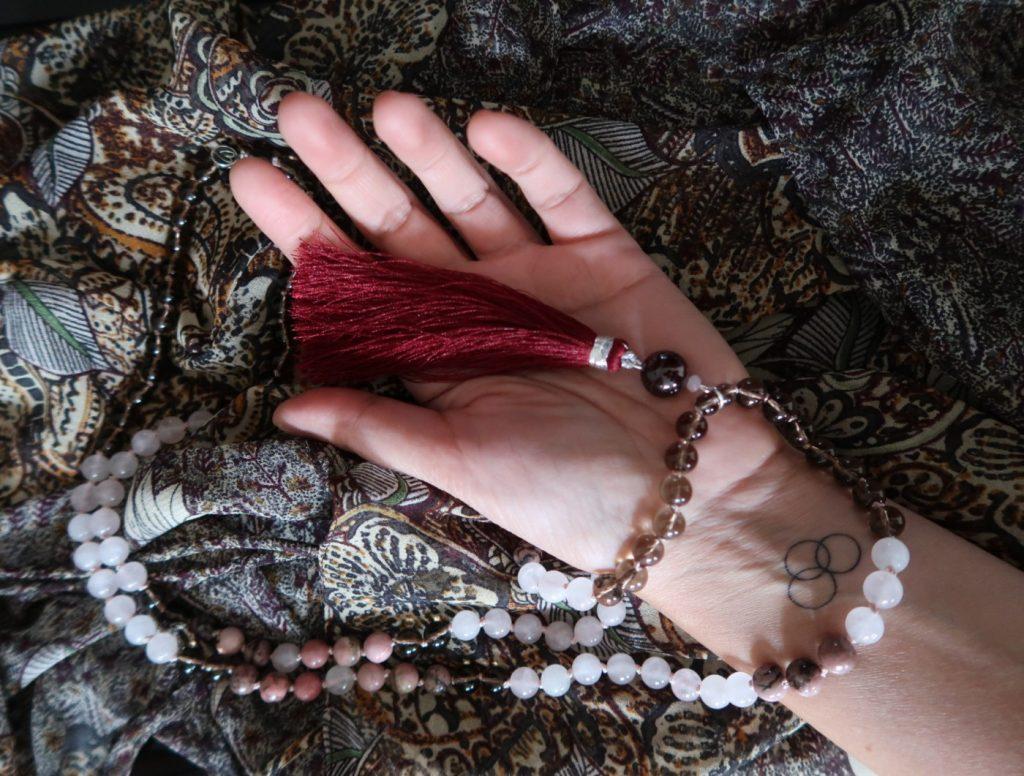Release your feminine radiance ... met deze mala